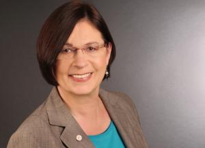 Portrait Sabine Faltmann, Geschäftsleitung faltmann PR | Öffentlichkeitsarbeit für IT-Unternehmen