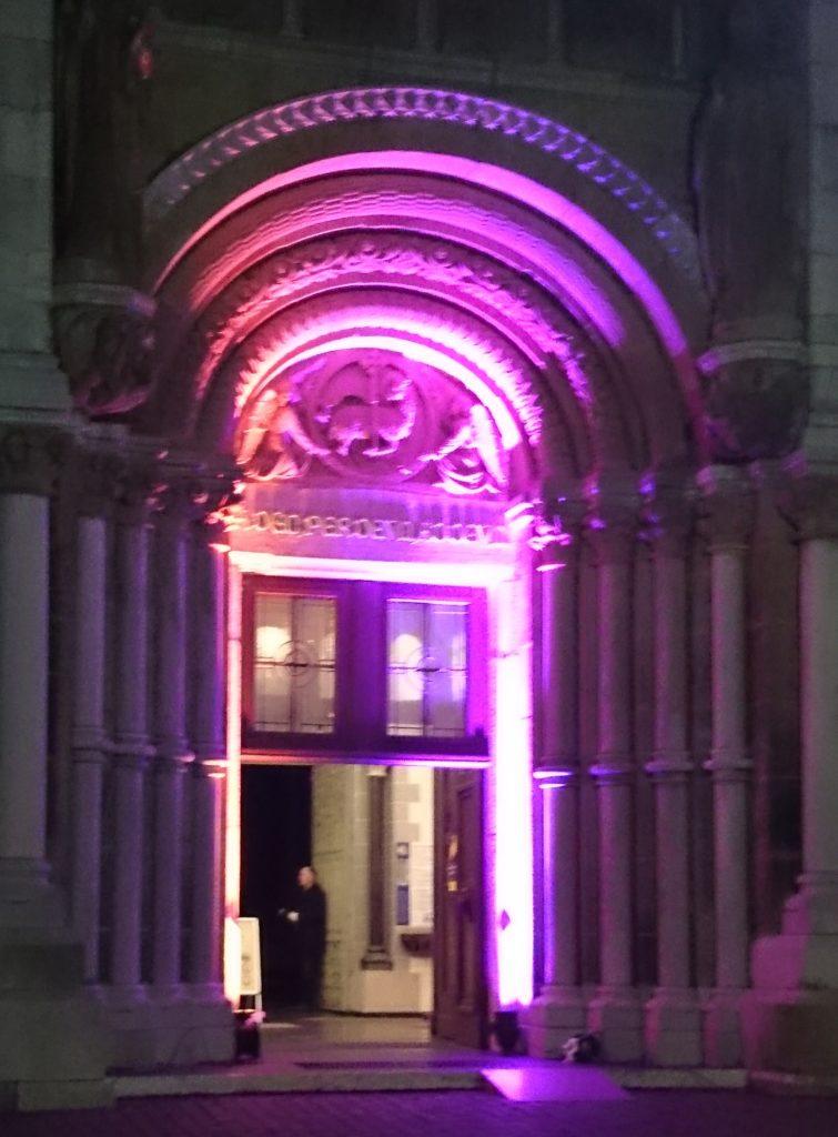 Eingang Kirche St. Jakob