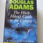 """Buch """"Per Anhalter durch die Galaxis"""" in Englisch"""