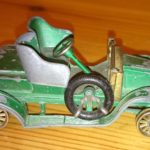 Matchbox-Auto mit Lackschäden und ohne Reifen