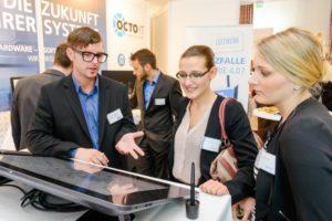 Compass Business Convention 2015: Mathias Urban von OCTOIT im Gespräch mit Maria Dziurla und Luisa Hilbert von Weinrich